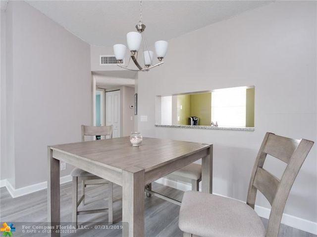 Wondrous 5580 Lakeside Drive Unit 205 Margate Fl 33063 Compass Download Free Architecture Designs Lectubocepmadebymaigaardcom