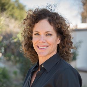 Lauren Fallieras,                     Agent in Los Angeles - Compass