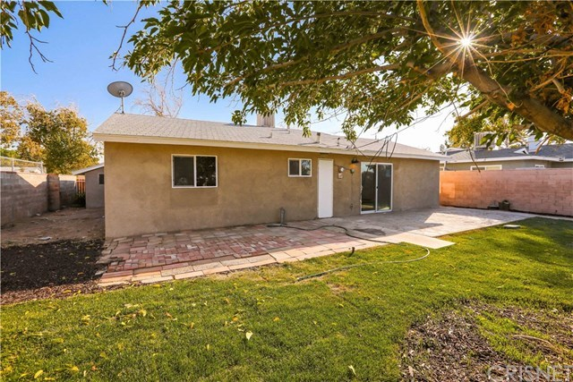 1211 East Ave R-3 Palmdale, CA 93550