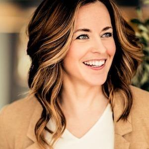Lauren  Mitrick Wood,                     Agent in Chicago - Compass