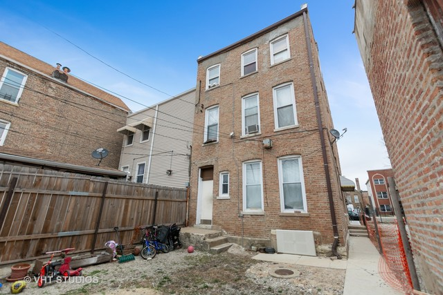 2354 South Albany Avenue, Unit 2F Chicago, IL 60623