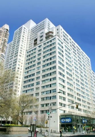 215 East 68th Street, Unit 33D Image #1