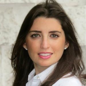 Minette Schwartz,                       Agent in Miami - Compass