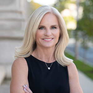 Amy Desel,                       Agent in Greenwich, CT - Compass