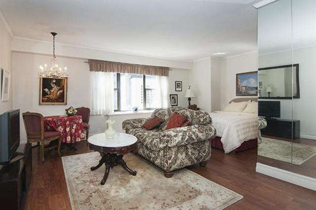 220 East 57th Street, Unit 17J Image #1