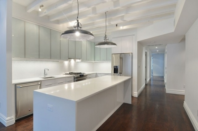 148 West 28th Street, Unit 2W Image #1