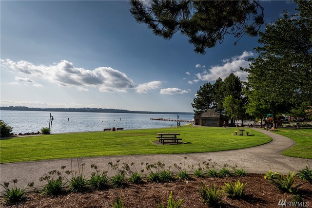324 10th Avenue South Kirkland, WA 98033