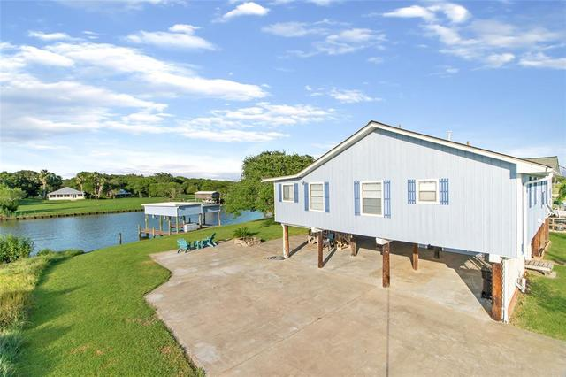 757 Red Bend Sargent, TX 77414