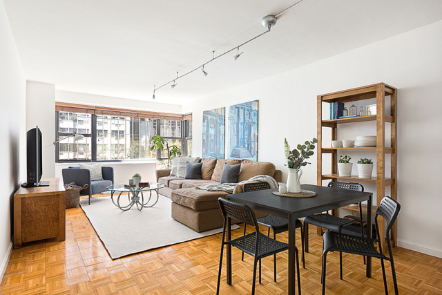 115 East 9th Street, Unit 4B Manhattan, NY 10003