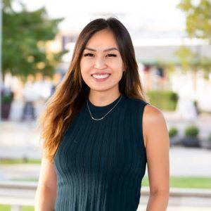 Jinny Kim,                       Agent in Dallas-Fort Worth - Compass