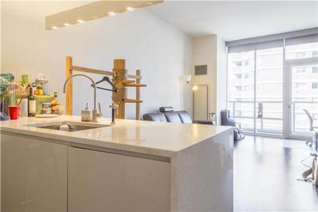 300 East 23rd Street, Unit 10B Image #1