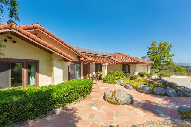 2239 Cortina Circle Escondido, CA 92029