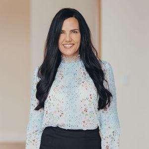 Nikki DiBella,                       Agent in Dallas-Fort Worth - Compass
