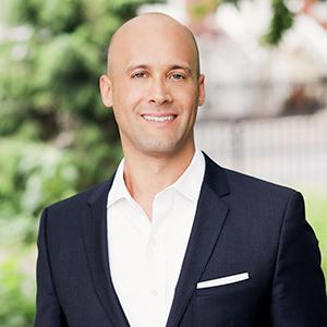 Jesse Feldman,                     Agent in NYC - Compass