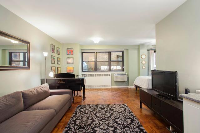 301 East 63rd Street, Unit 2A Image #1