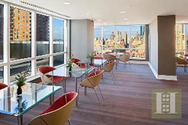350 West 42nd Street, Unit 14E Image #1