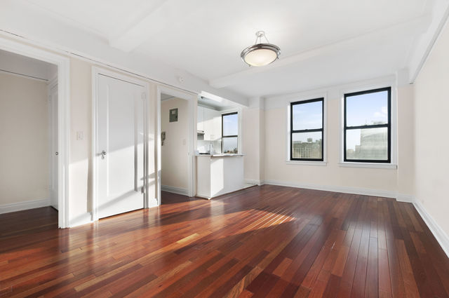 301 East 21st Street, Unit 5D Image #1