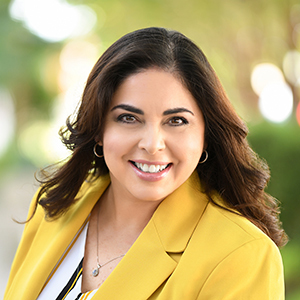 Lety Rios,                       Agent in Miami - Compass