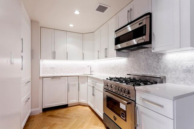 160 East 88th Street, Unit 2K Manhattan, NY 10128