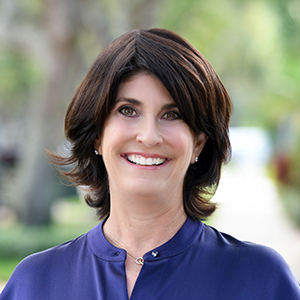Wendy Koolik,                       Agent in Miami - Compass