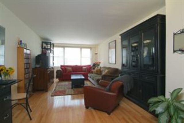 520 East 72nd Street, Unit 4T Image #1