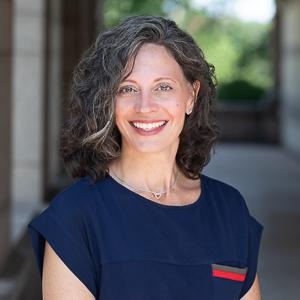 Julie McKinnon,                       Agent in Westchester, NY - Compass