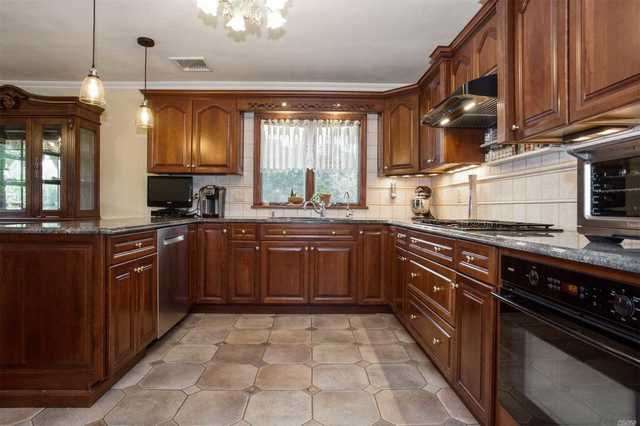 16 Wood Avenue Massapequa, NY 11758