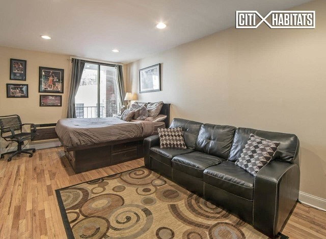 430 East 77th Street, Unit 4C Image #1