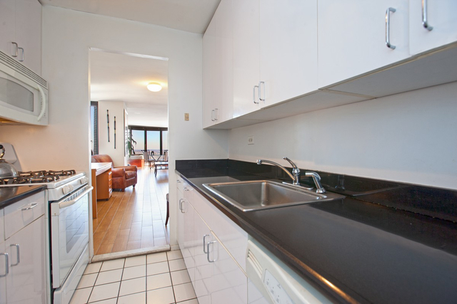 330 East 38th Street, Unit 56K Image #1