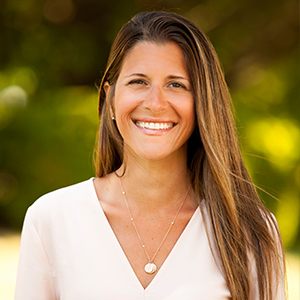 Jennifer Ponzini,                     Agent in The Hamptons - Compass