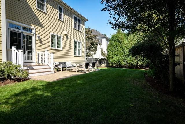 28 Thomas Road Wellesley, MA 02482
