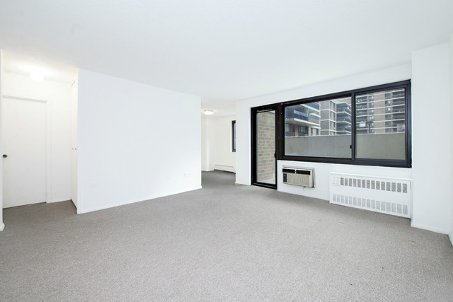90 Gold Street, Unit 3A Image #1