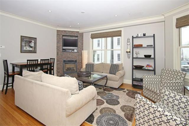 758 East 3rd Street, Unit 1 Image #1