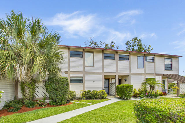 102 Sherwood Circle, Unit 21B Jupiter, FL 33458