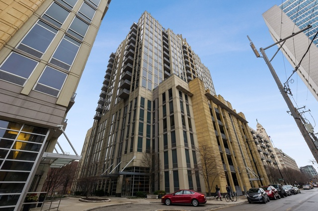 720 North Larrabee Street, Unit 1001 Chicago, IL 60654