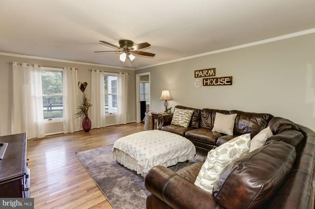 7594 Leeds Manor Road Marshall, VA 20115