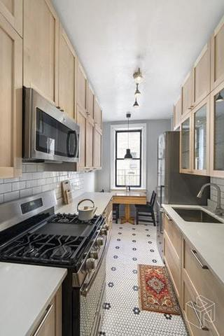37-20 81st Street, Unit 4F Queens, NY 11372