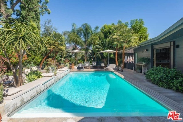 3416 Ione Drive Los Angeles, CA 90068