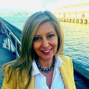 Laura Bass,                     Agent in San Francisco - Compass