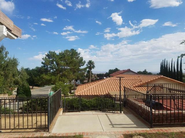 5655 Redwood Avenue Palmdale, CA 93551
