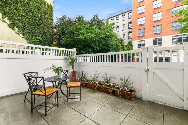 516 West 47th Street, Unit S1C Manhattan, NY 10036