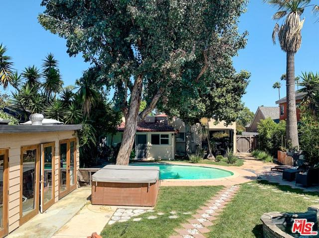 3237 Castle Heights Avenue Los Angeles, CA 90034
