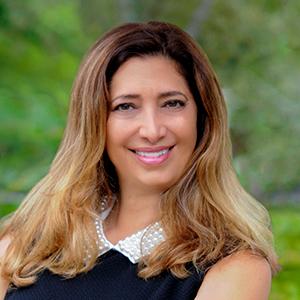 Amy Pinzur,                       Agent in Miami - Compass
