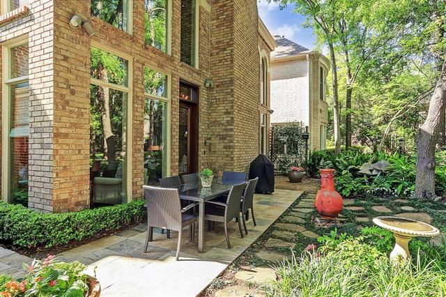 241 Sugar Berry Circle Houston, TX 77024