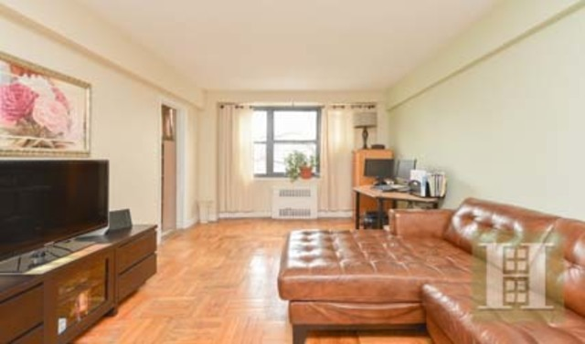 3103 Fairfield Avenue, Unit 5D Image #1