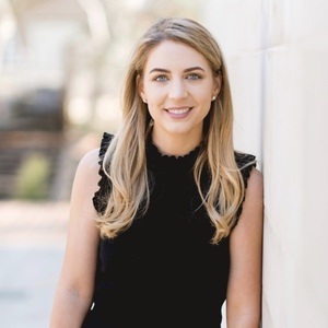 Hillary Turner,                       Agent in Dallas-Fort Worth - Compass