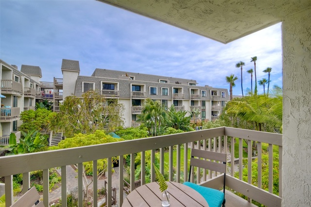 999 North Pacific Street, Unit G200 Oceanside, CA 92054