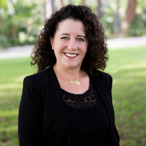 Kim Hartley,                       Agent in Los Angeles - Compass