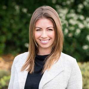 Allie Fornesi,                       Agent in San Francisco - Compass