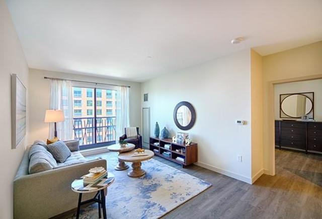 1 Canal Street, Unit 813 Boston, MA 02114